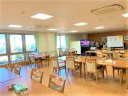ココファン高坂(介護付有料老人ホーム(一般型特定施設入居者生活介護)/サービス付き高齢者向け住宅)の画像(9)食堂