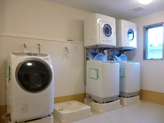 ココファンふじみ野(サービス付き高齢者向け住宅)の画像(7)洗濯室