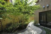リハビリホームボンセジュール南千束(介護付有料老人ホーム(一般型特定施設入居者生活介護))の画像(10)1F 中庭