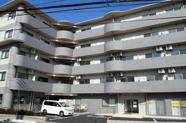 ココファン南越谷(サービス付き高齢者向け住宅)の画像(2)外観2