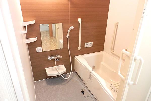 ココファン南越谷(サービス付き高齢者向け住宅)の画像(7)浴室