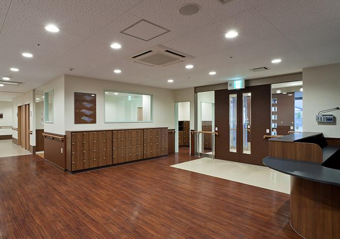 センチュリーハウス武蔵浦和(介護付有料老人ホーム(一般型特定施設入居者生活介護)/サービス付き高齢者向け住宅)の画像(2)エントランス