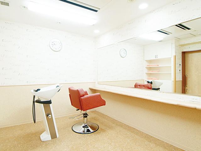 グッドタイムナーシングホーム・東浦和(介護付有料老人ホーム)の画像(16)理美容室