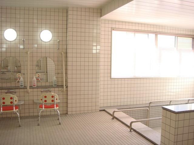 ベストライフ草加(介護付有料老人ホーム)の画像(13)一般浴