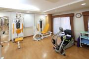 メディカル・リハビリホームボンセジュール草加(1F ダイニングルーム兼機能訓練室)の画像