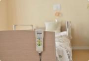 カーサプラチナ草加(介護付有料老人ホーム)の画像(17)居室ベッド