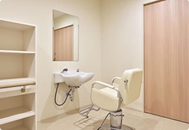 カーサプラチナ草加(介護付有料老人ホーム)の画像(13)理美容室