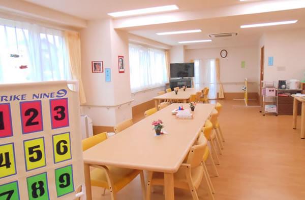 ココファン新座石神(サービス付き高齢者向け住宅)の画像(9)食堂2