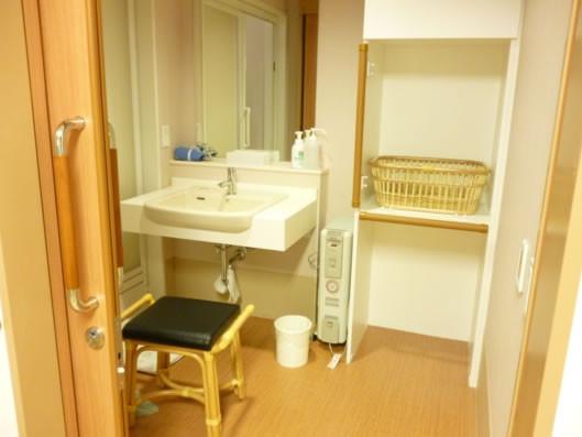 ココファン川口榛松(サービス付き高齢者向け住宅)の画像(5)脱衣所