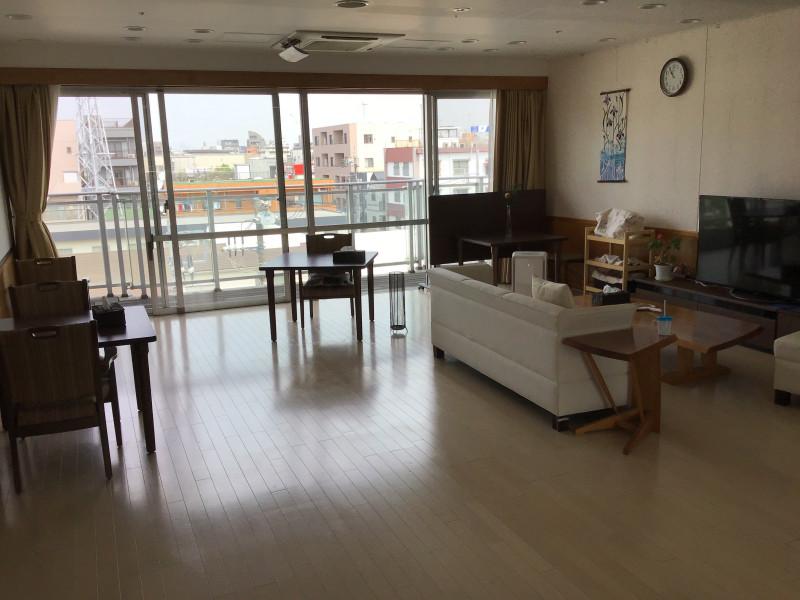 フェリオ多摩川(介護付有料老人ホーム)の画像(6)リビングルーム
