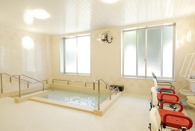 ヒューマンライフケア鳩ヶ谷の郷(介護付有料老人ホーム(一般型特定施設入居者生活介護))の画像(3)大浴場