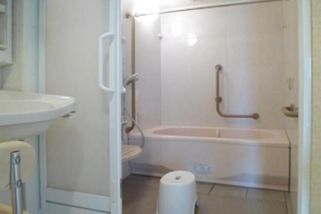 ボンセジュール川口(介護付有料老人ホーム(一般型特定施設入居者生活介護))の画像(6)浴室