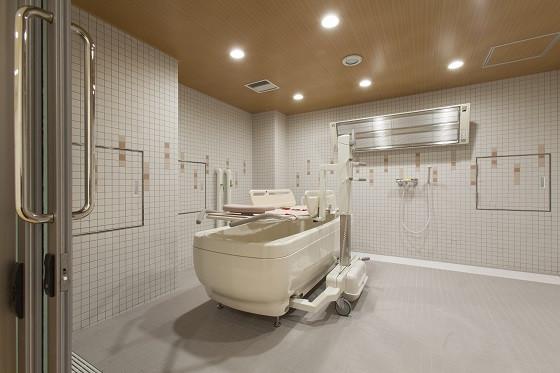 グレイプスウィズ大森西(サービス付き高齢者向け住宅/介護付有料老人ホーム(一般型特定施設入居者生活介護))の画像(8)機械浴
