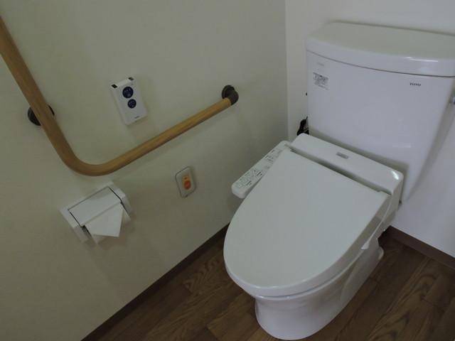 ベストライフ鳩ケ谷(介護付有料老人ホーム)の画像(16)トイレ