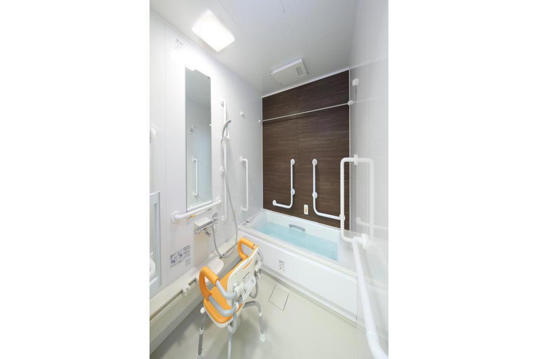 リハビリホームまどか戸田(介護付有料老人ホーム(一般型特定施設入居者生活介護))の画像(7)2F 浴室