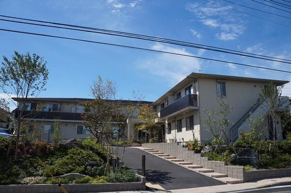 グランパーシモン(サービス付き高齢者向け住宅)の画像(1)グランパーシモン外観