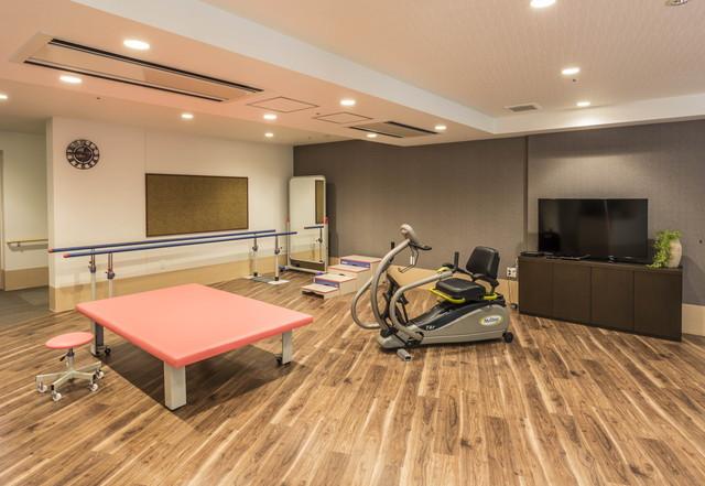 アズハイム川崎中央(介護付有料老人ホーム)の画像(11)機能訓練室です。