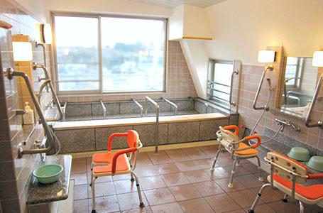 シルバーライフはなみずき(介護付有料老人ホーム)の画像(10)浴室