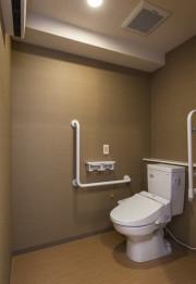 レジデンス足立島根(サービス付き高齢者向け住宅)の画像(7)居室トイレ