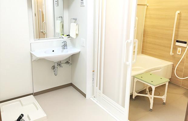 ディーフェスタ川口芝高木(サービス付き高齢者向け住宅)の画像(23)1Kタイプ 浴槽