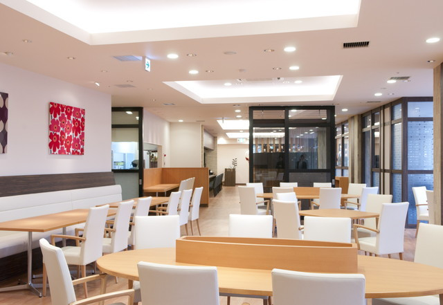 蓮田オークプラザ駅前温泉館(介護付有料老人ホーム)の画像(5)レストラン