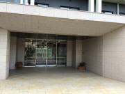 チャームスイート新井薬師さくらの森(介護付有料老人ホーム)の画像(15)玄関
