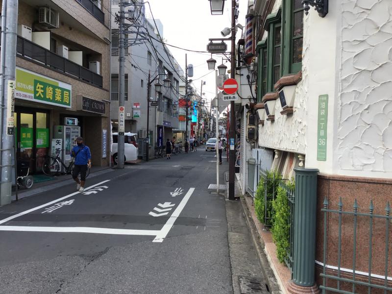 チャームスイート新井薬師さくらの森(介護付有料老人ホーム)の画像(22)商店街
