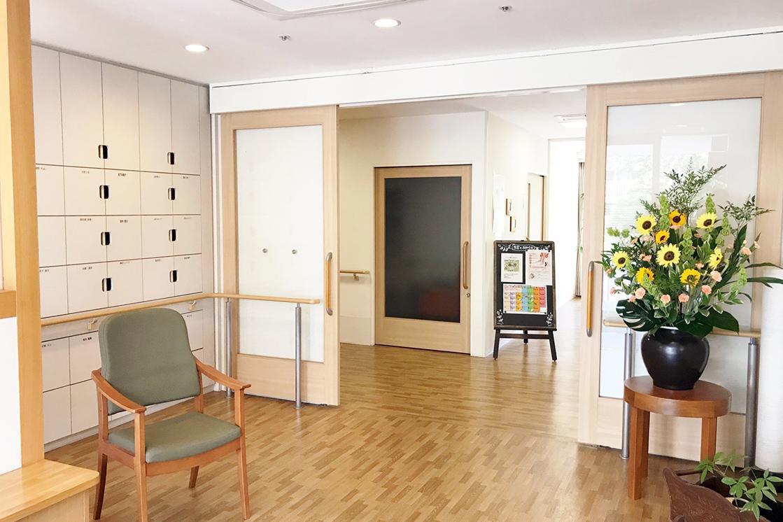 メディカルホームまどか哲学堂(介護付有料老人ホーム(一般型特定施設入居者生活介護))の画像(4)1F エントランス