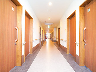 福寿よこはま港北(住宅型有料老人ホーム)の画像(2)ホーム内廊下