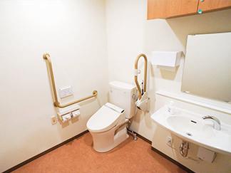 福寿よこはま港北(住宅型有料老人ホーム)の画像(6)居室トイレ