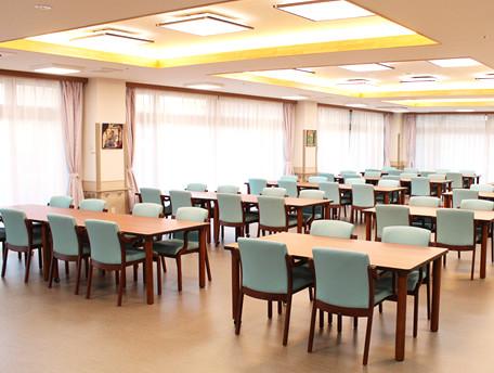 グッドタイムホーム・茅ヶ崎(住宅型有料老人ホーム)の画像(2)食堂