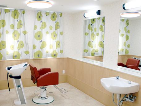 グッドタイムホーム・茅ヶ崎(住宅型有料老人ホーム)の画像(5)理美容室