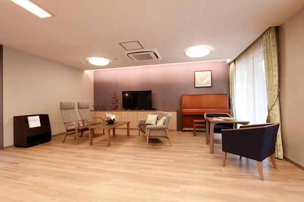 アライブ武蔵野御殿山(介護付有料老人ホーム)の画像(7)1階リビング