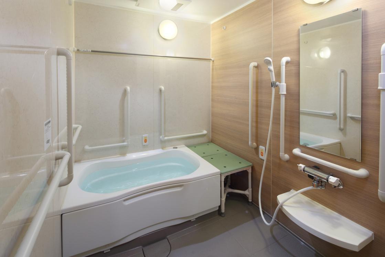 グランダ新高円寺(介護付有料老人ホーム(一般型特定施設入居者生活介護))の画像(9)2F 浴室