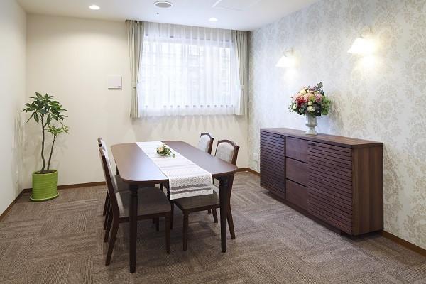 ニチイホーム川口(介護付有料老人ホーム(一般型特定施設入居者生活介護))の画像(5)応接室