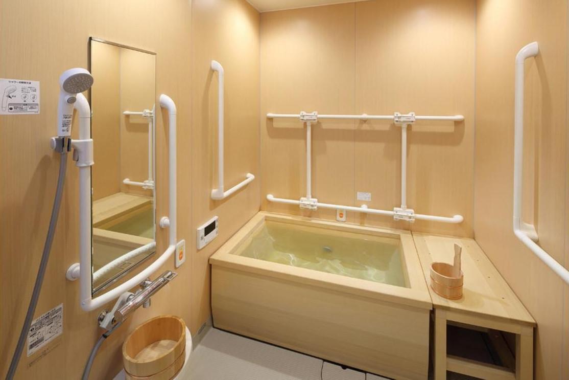 リハビリホームグランダ鵠沼・藤沢(住宅型有料老人ホーム)の画像(7)浴室