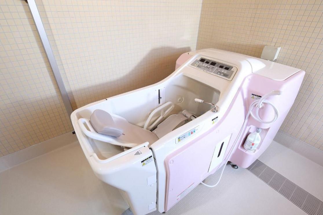 リハビリホームグランダ鵠沼・藤沢(住宅型有料老人ホーム)の画像(8)浴室