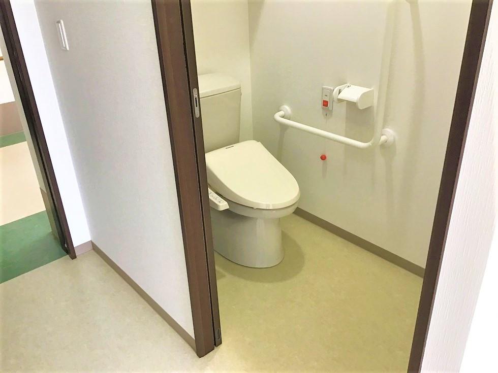 昭和の里 ときがわ別所(介護付有料老人ホーム)の画像(11)居室トイレ