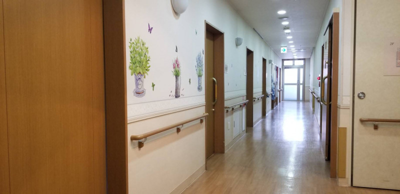 そんぽの家大宮(介護付有料老人ホーム)の画像(6)廊下