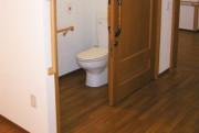 そんぽの家東川口(介護付有料老人ホーム)の画像(8)トイレ