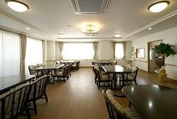 そんぽの家溝の口(介護付有料老人ホーム)の画像(3)食堂