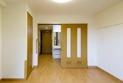 そんぽの家新百合ヶ丘(介護付有料老人ホーム)の画像(5)居室②