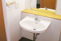 そんぽの家光が丘(介護付有料老人ホーム)の画像(5)居室洗面所です。