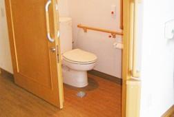 そんぽの家光が丘(介護付有料老人ホーム)の画像(6)居室トイレです。