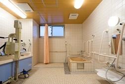 そんぽの家高円寺(介護付有料老人ホーム)の画像(7)一般浴室