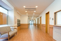 そんぽの家高円寺(介護付有料老人ホーム)の画像(2)廊下