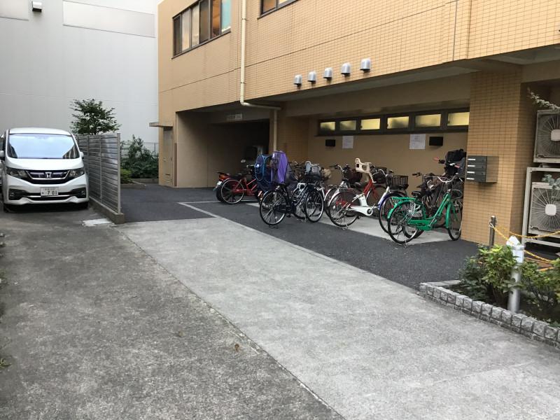 そんぽの家S井荻(サービス付き高齢者向け住宅)の画像(13)駐輪場兼駐車場