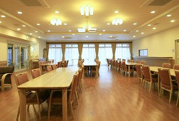 そんぽの家S柏高柳(サービス付き高齢者向け住宅)の画像(4)食堂