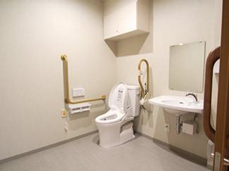 花珠の家みどり(介護付有料老人ホーム)の画像(4)共有トイレ