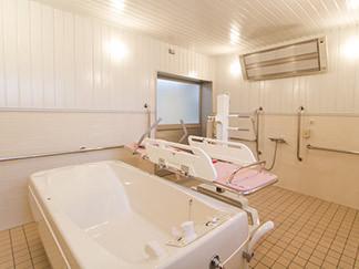 花珠の家みどり(介護付有料老人ホーム)の画像(6)機械浴